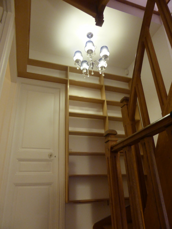 Biblioth que d 39 escalier i faible profondeur atelier de sarah - Bibliotheque dans escalier ...