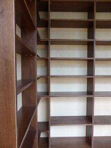 Bibliotheque-dans-langle