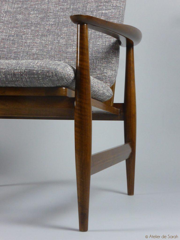 detail-accoudoir-fauteuils-ailes-danges-danois