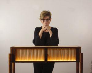 contact-portrait-avec-Aurore-console-en-bois-luminescent